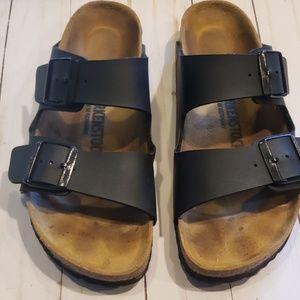Birkenstock sz 39 black sandals